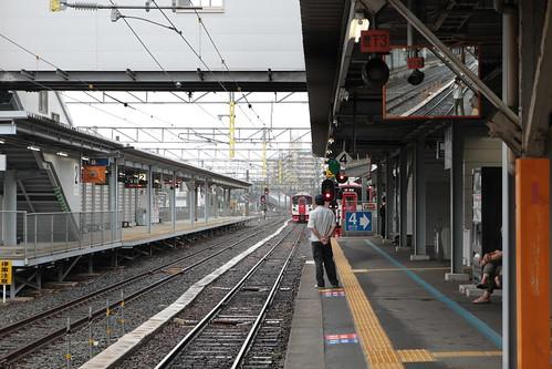 熊本駅で豪雨に遭遇 あそぼーい!運休