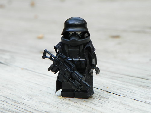 Custom minifig Weird War II German Juggurant