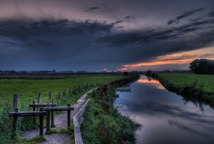 Kromme Rijnpad (Joost Lagerweij) Tags: blue sunset red sky cloud sun holland reflection nature water netherlands dutch canon river print poster landscape eos mirror licht zonsondergang utrecht blauw spiegel horizon pad nederland natuur highcontrast wolken rise lucht moat rood joost zon hdr risingsun bij oranje hek wijk zonsopgang lopik rode krommerijn wijkbijduurstede 2011 duurstede cothen zonsopkomst langbroek 550d tonemaped blinkagain bestofblinkwinners krommerijnpad