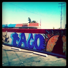 advertising (snapgirl tc) Tags: graffiti tacos ipodphoto delanoca