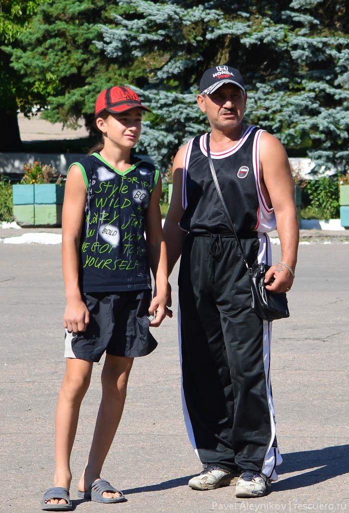 Жители Тореза