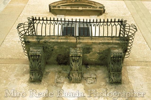 Balcone a Petto D'Oca