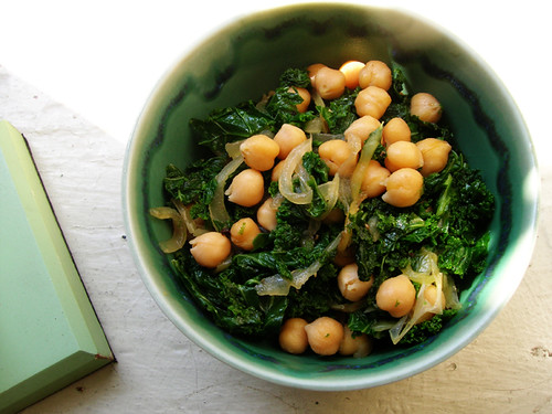 veganly chickpeas with kale