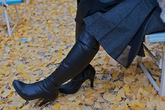 Black Boots 70 (Ayanami_No03) Tags: people woman japan tokyo legs boots skirt   chofu  blackboots   eoskissx4 eos550d