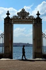 pacing (delikizinyeri) Tags: canon turkey gate guard istanbul palace bosphorus dolmabahe 5dmarkii