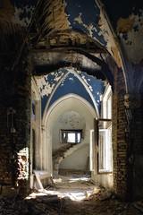 (Alt_Gr *slowly getting back* www.nilseisfeld.de) Tags: blue abandoned stairs spiral stair decay treppe staircase blau chateau schloss escaleras verlassen abstrakt treppenhaus verfall gewölbe