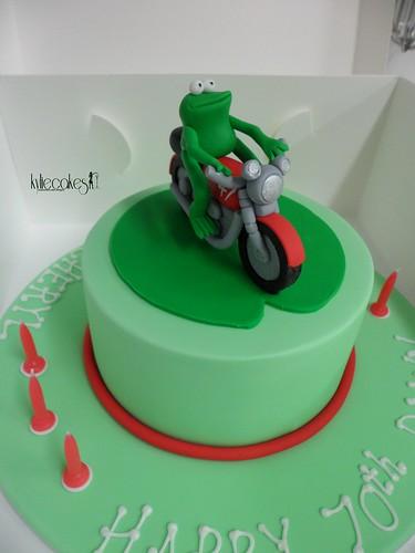 Frog on a motorbike cake