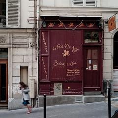 La part des anges (Arnaud P-L.) Tags: leica paris voigtlander montmartre m8 enfants 28 rue pente vie ruelles