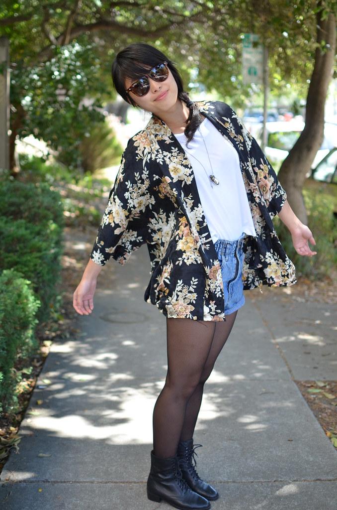 http://whitwatwear.blogspot.com