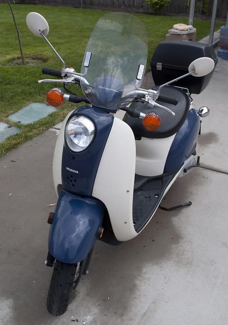 honda.scooter.21