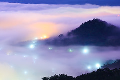 Sinking Stars (samyaoo) Tags: light red cloud mist mountain tree green yellow fog night sunrise long exposure taiwan    sunmoonlake seaofclouds nantou