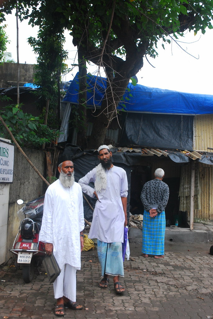 The Donation Hunters In Ramzan And Muslims and Anna Hazare