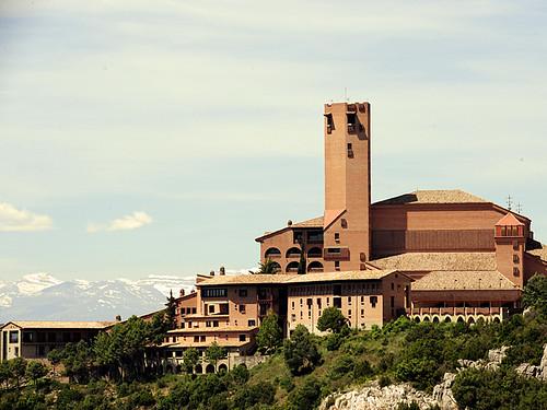 Santuario y casas de retiro de Torreciudad