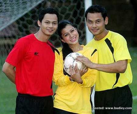 Ryzal, Memey dan Aidil merupakan pelakon utama bagi drama Bola Cinta musim kedua