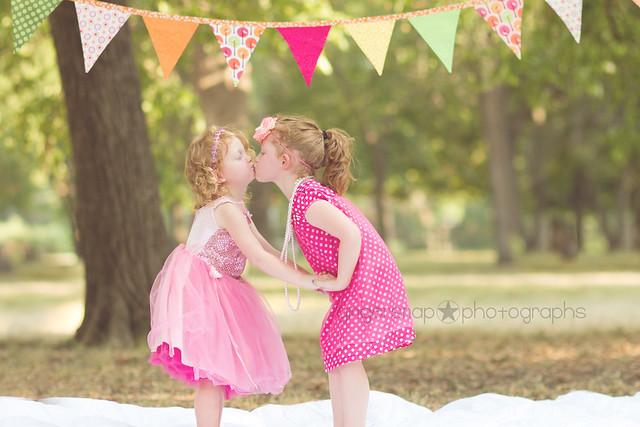 AS kiss1