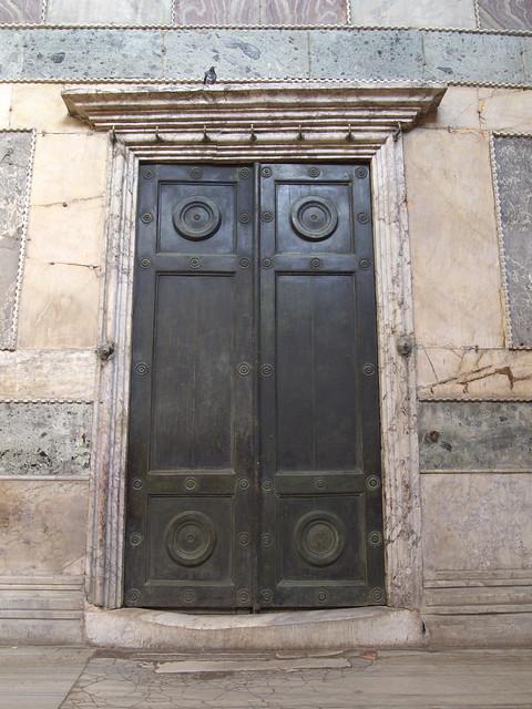 聖索菲亞室內門檻的磨損