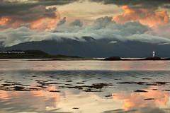 Sgeir Bhuidhe Lighthouse (.Brian Kerr Photography.) Tags: sunset sky lighthouse mountains clouds canon reflections landscape islands scotland highlands lochlinnhe portappin eos5dmkii briankerrphotography sgeirbhuidhelighthouse
