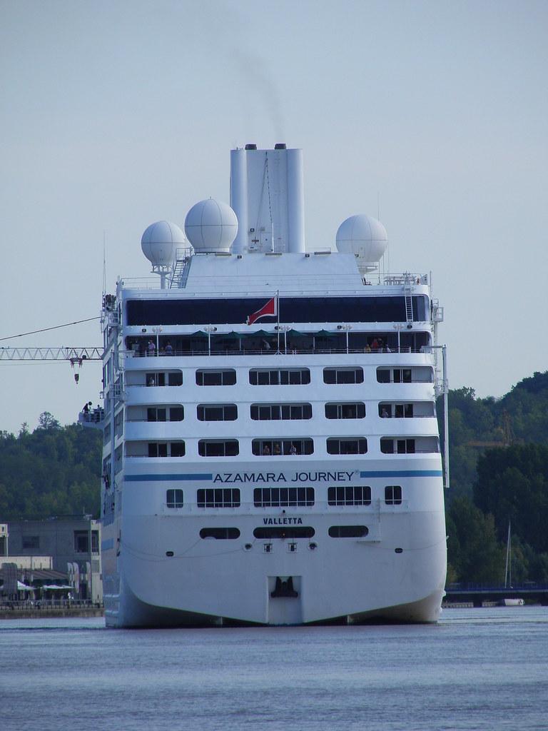Stern of Azamara Journey - Bordeaux - P9020032