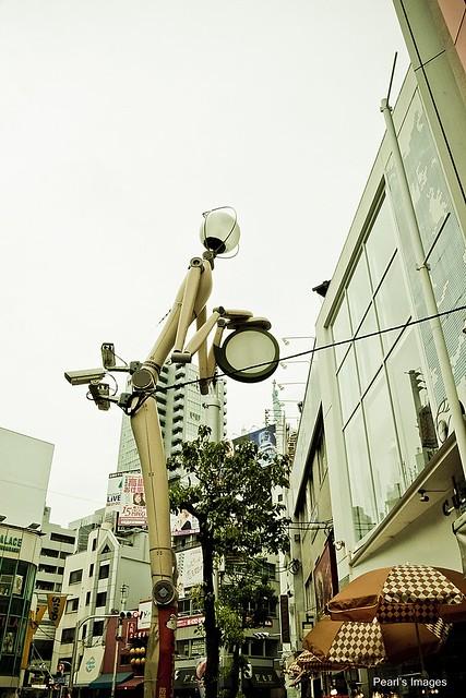 機器人提燈籠(?)