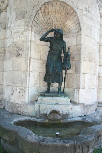 Linke Figur - Brunnenhaus