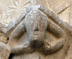 Monestir de Sant Pere de Galligants, Gerona, portal jamb capital with bearded figure