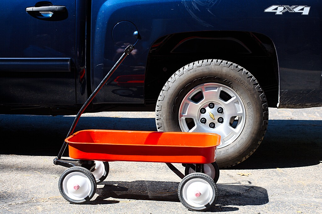 Day 321: Little red wagon, big blue 4x4