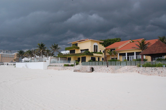 cancun_storm_coming