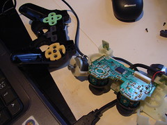 Hacking up Playstation 2 analogue joystick