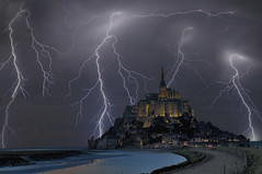 Le Mont Saint Michel Sous l'Orage (Caputarietis Philippe Cabaret) Tags: france night french photography passion normandie mapping normandy nuit tone orage lemontsaintmichel  tonemapping  superphotographer  nikond300  photoshopcs4 nikkor1685 nikonflickraward  flickrunitedaward cabaretphilippe