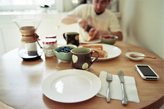 a weekend morning (*Cinnamon) Tags: sf film kitchen breakfast 35mm weekend lifestyle nikonf100 mornings kodakportra400 nikkor28mmf2