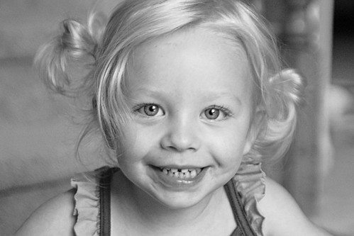 070 Mckenzie 3 yrs old b&w