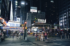 Enjoying the city (Luca Pisanu) Tags: street new york city windows sky people apple buildings lights big crowd metropolis palazzi grattacieli