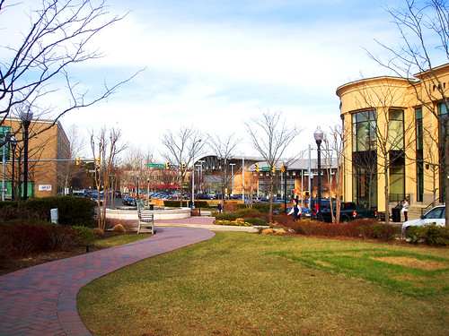 Arlington's Clarendon neighborhood (by: darksong/Eden, creative commons license)