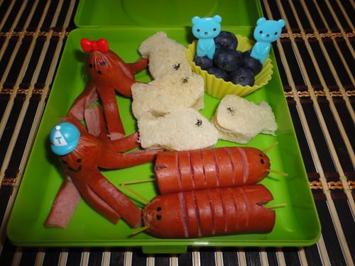 Octodog,beedog,honey mini fish sandwiches,blueberries 8-17 by Rina Ameriasianbento
