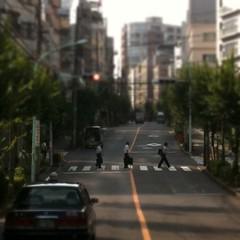 Abbey Road 風な恵比寿の朝