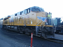Union Pacific #7681 (GE C45ACCTE) in Portola, CA (CaliforniaRailfan101 Photography) Tags: california santa 2001 railroad up museum burlington silver river power pacific cab feather 9 trains canyon bn cadillac company dash sp zephyr distributed western solarium copper uboat express sacramento lariat fe northern ge wp baldwin snowplow unit switcher wye kennecott alco portola emd s12 sd9 gp9 nw2 warbonnet centercab fairbanksmorse gp30 scotchlite dpu keddie gevo gp20 sd70m gp7 wprm f7a c449w sd70ace es44ac h1244 u25b 44tonner u30b h1044