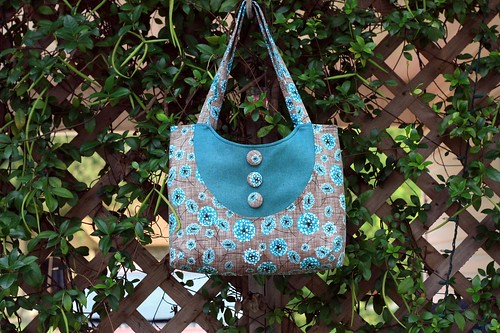 round yoke handbag