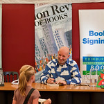 Nick Sharratt signing books