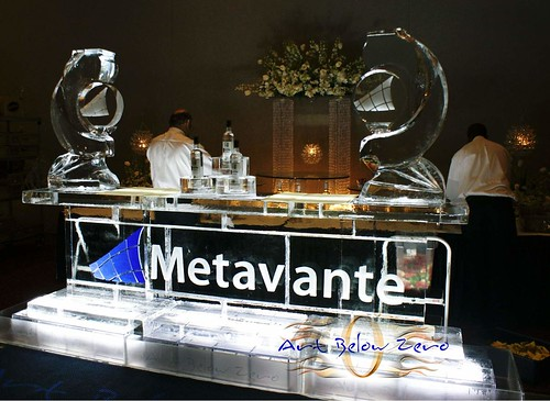 Metavante Icebar (10ft) ice sculpture