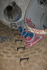 lio (Beyond the walls) Tags: water tunnel drain ladder tunnels