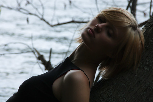 [フリー画像] 人物, 女性, ショートヘア, 寝顔・寝ている, 201108311500