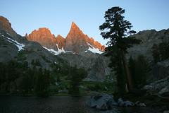 The Minarets (Gafoto) Tags: mountains sunrise sierras sierranevada inyonationalforest ritterrange theminarets