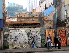 In Sao Paulo (LoisInWonderland) Tags: brazil streetart southamerica graffiti saopaulo tag bomb throwup