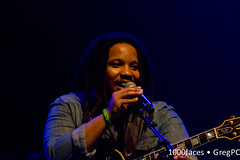 Stephen Marley sings