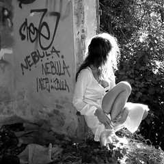 .- (Sus Blanco) Tags: light blackandwhite woman selfportrait abandoned blancoynegro luz mujer flickr autoretrato award abandono