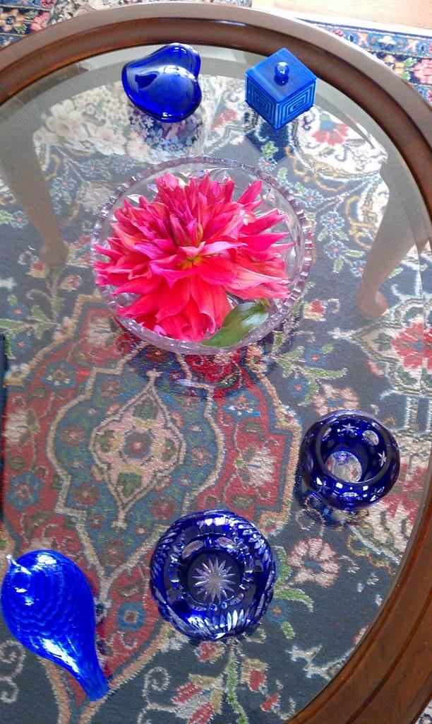 Blue Glass, Big Dahlia