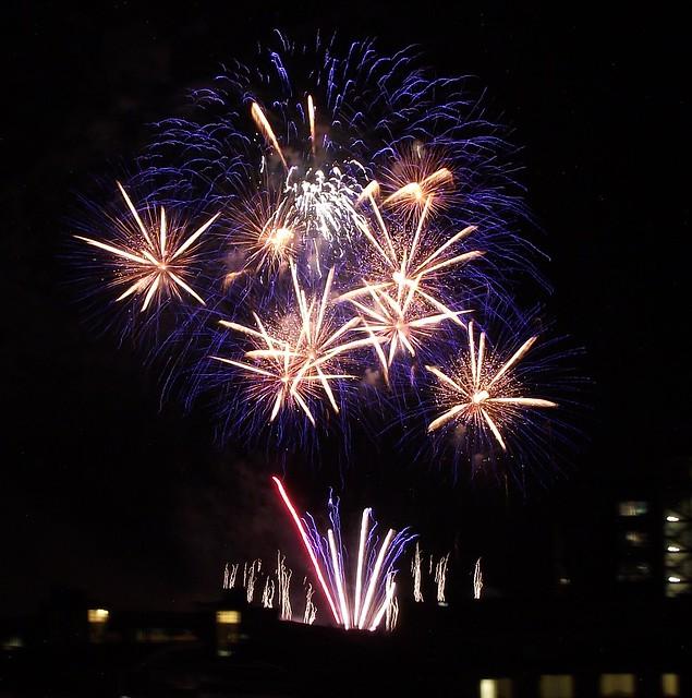 Edinburgh Festival Fireworks 2011 09