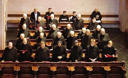 Monjes en la Liturgia de las Horas