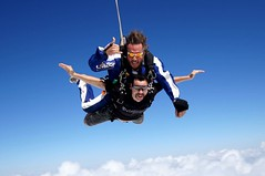 inda sky (thomaxxxxxx) Tags: sony sigma skydive tandem alpha weitwinkel fallschirm speedriding slt55 gurskisky fallrausch aktionfotografie