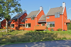 Lvekulle I (hansn (2 Million Views)) Tags: red architecture modern europa europe sweden contemporary architect alingss sverige brf arkitektur falurd rd lvekulle arkitekt alingsas glantz bostadsrttsfrening glantzarkitektstudio tenantownerssociety